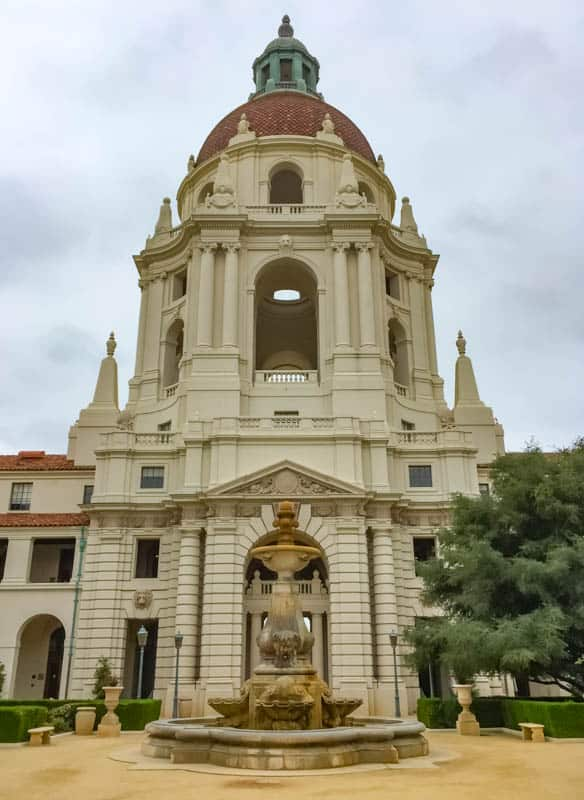 Pasadena City Hall with its gorgeous fountain