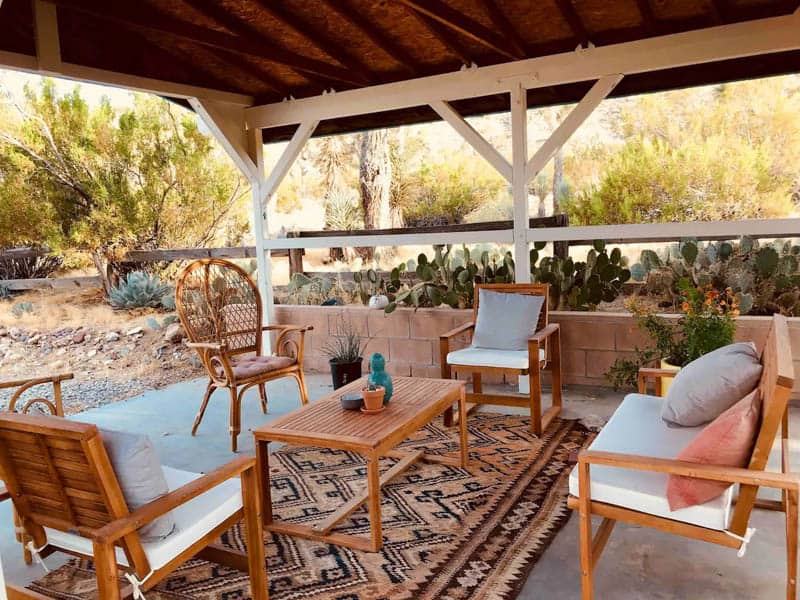 Yucca Valley Airbnb Backyard Seating