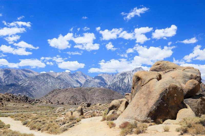 Hiking paths in the Alabama Hills in California