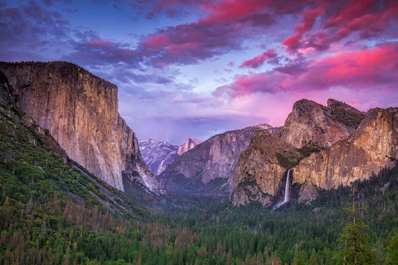 Tunnel View with Bridalveil Fall, Yosemite National Park, california