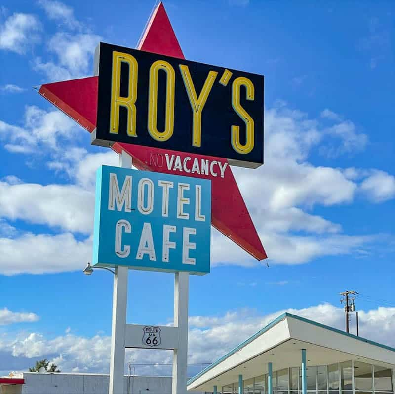 The iconic sign of Roy's Cafe in Amboy California
