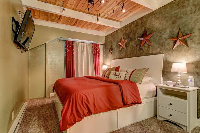 Two-level Airbnb townhome in Stateline on Lake Tahoe, Nevada