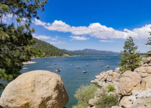 10 Big Bear Airbnbs for a Scenic Mountain Lake Getaway!