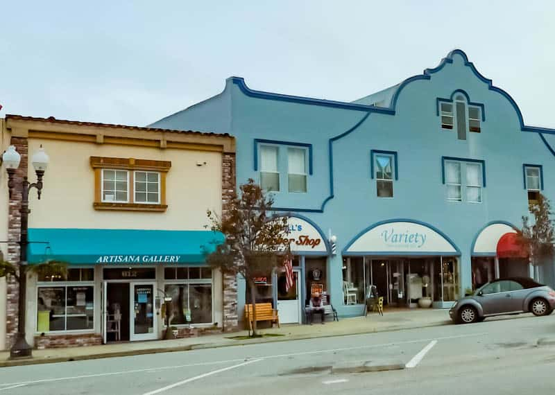 Galleries and shops in downtown Pacific Grove California