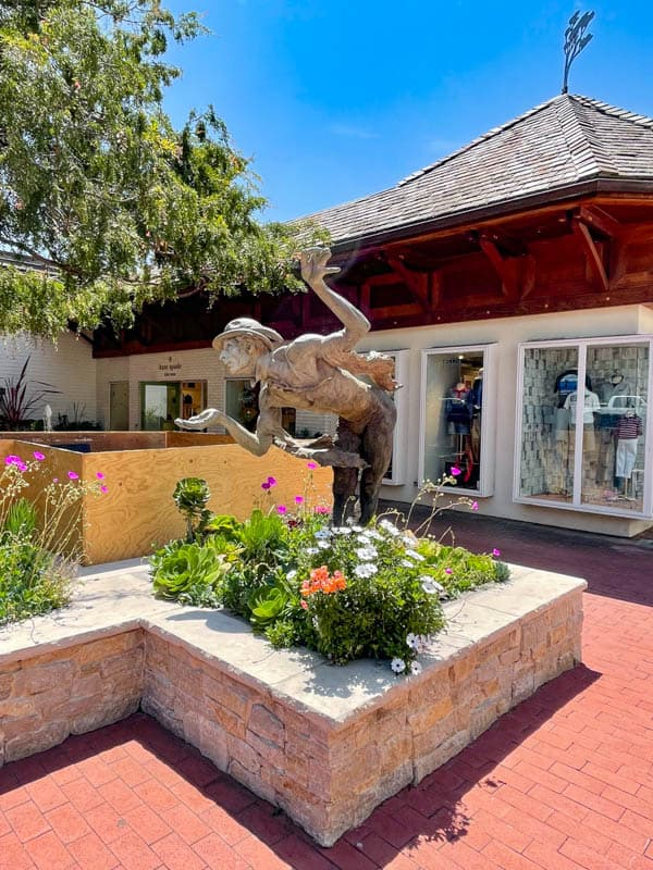 Carmel Plaza is home to many iconic brands!