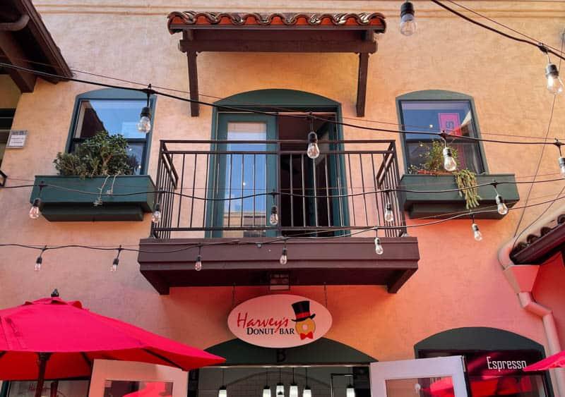Harvey's Donut Bar in Sonoma, California
