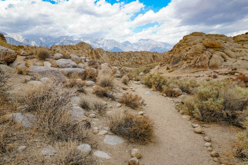 Walking the Arch Trail in the Alabama Hills
